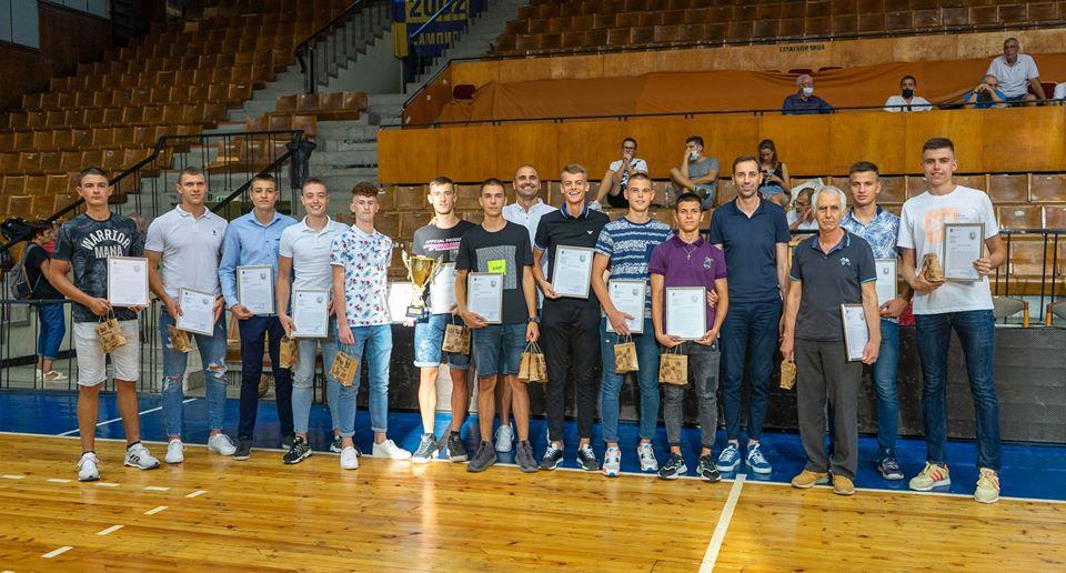Кметът на Ямбол награди 19-годишните юноши
