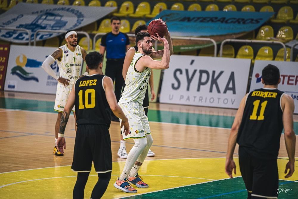 Цветомир Чернокожев и Левице си върнаха първото място в Словакия